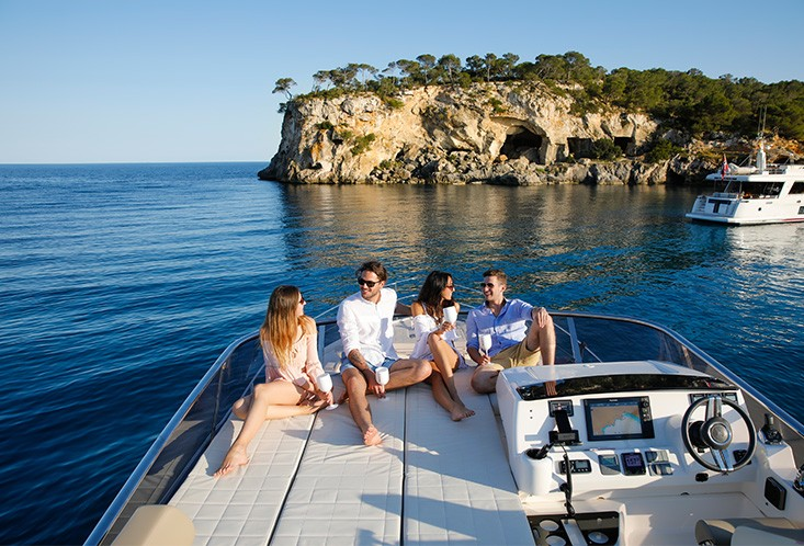 luxury-hotel-mallorca-yacht-rental-5